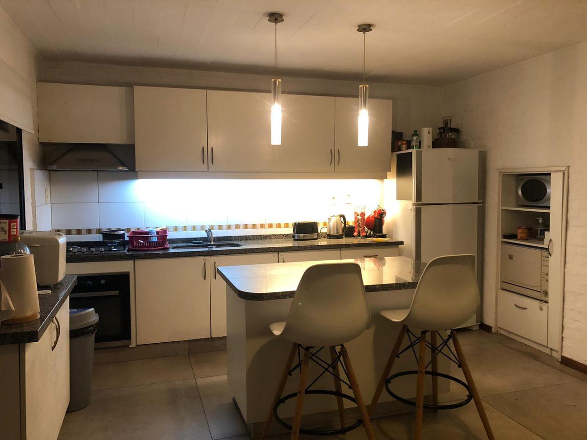 Foto Casa en Venta en  Parque Miramar ,  Canelones  Parque Miramar - Solida, amplia y moderna Casa