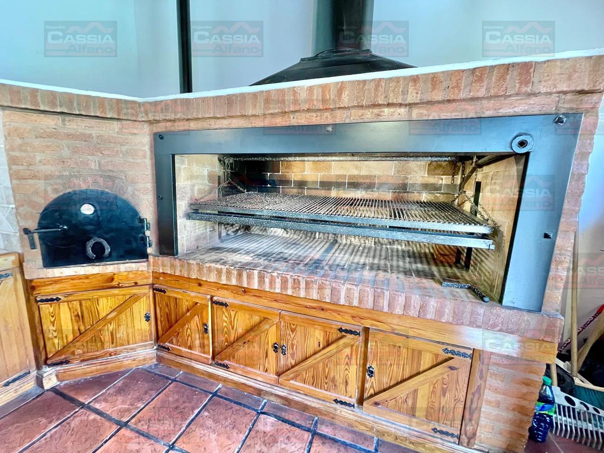 Foto Casa en Venta en  Valentin Alsina,  Lanús  UCRANIA 1382