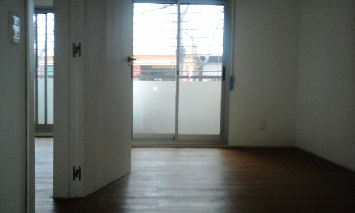 Foto Departamento en Alquiler en  Prado ,  Montevideo  Agraciada y Joaquín Suárez