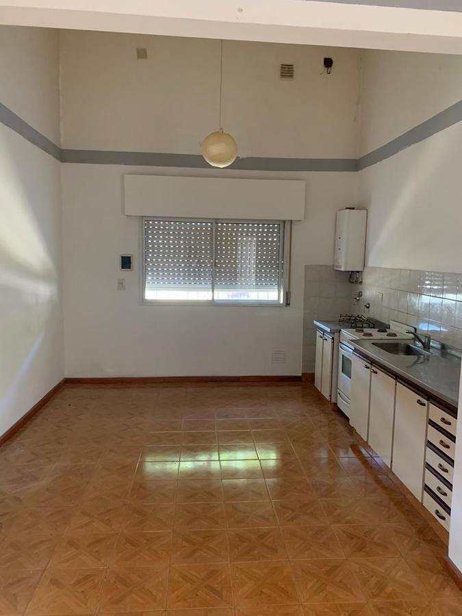 Foto Departamento en Alquiler en  Rosario ,  Santa Fe  Pje Mozart al 1000
