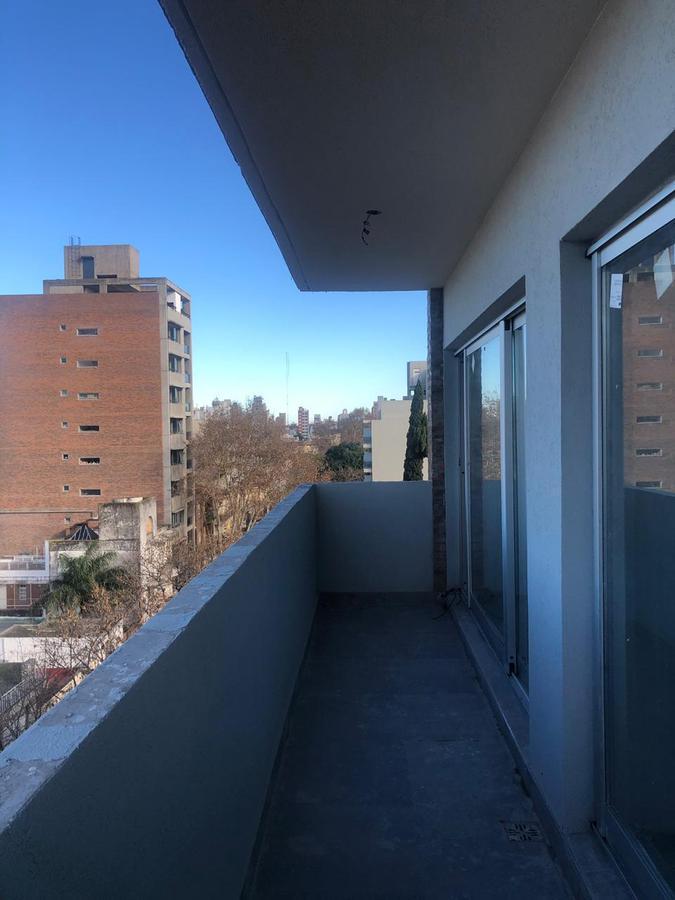Foto Departamento en Venta en  Lourdes,  Rosario  ZEBALLOS al 2600