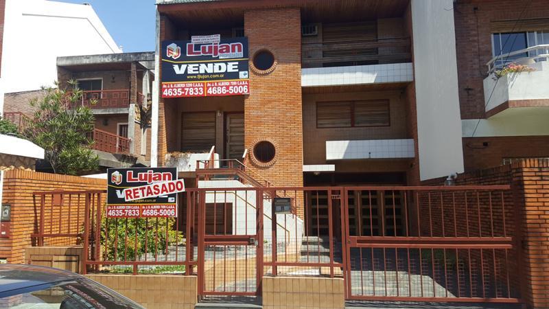 Foto Casa en Venta en  Mataderos ,  Capital Federal  Larrázabal entre Artigas y  ZEQUEIRA