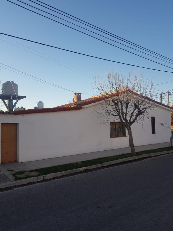Foto Casa en Venta en  Neuquen,  Confluencia  Casa - 3 Dormitorios - Santa Teresa al N° 1848 - Neuquén Capital.