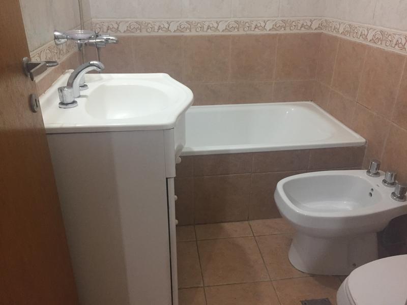 Foto Casa en Venta en  Lanús Este,  Lanús  OPORTUNIDAD: Belgrano 1255 y Matanza 3138