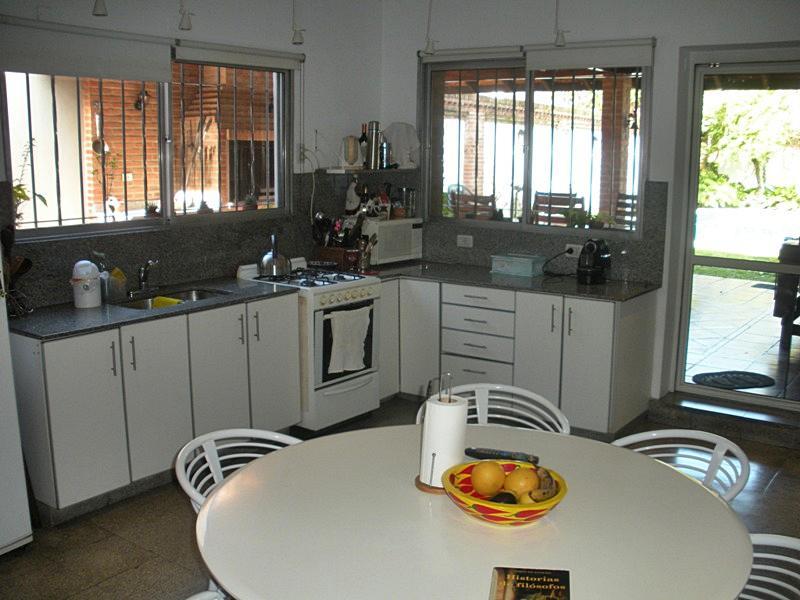 Foto Casa en Venta en  Florida Mitre/Este,  Florida  Aristóbulo del Valle al 2600
