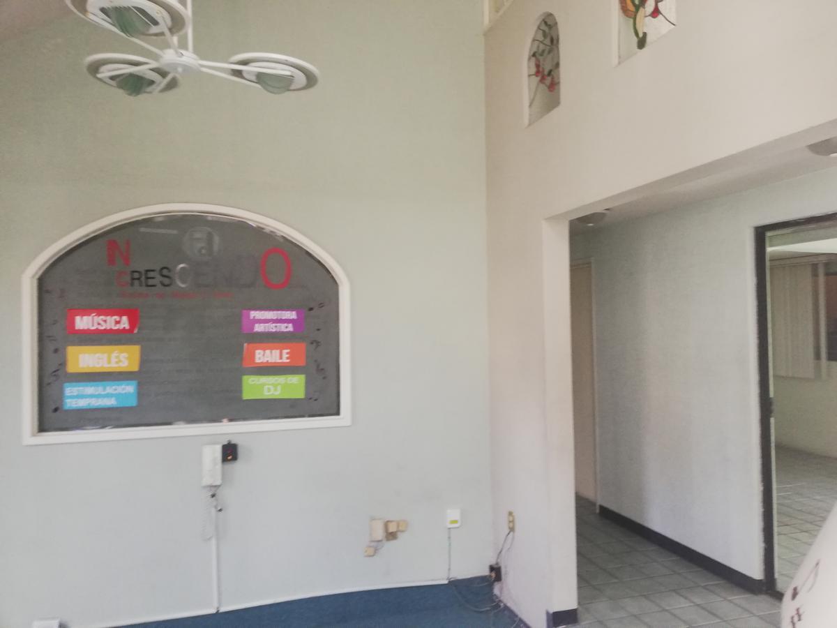 Foto Casa en Renta en  Metepec ,  Edo. de México  CASA EN RENTA PARA OFICINAS EN COL. XINANTECATL, METEPEC MÉXICO