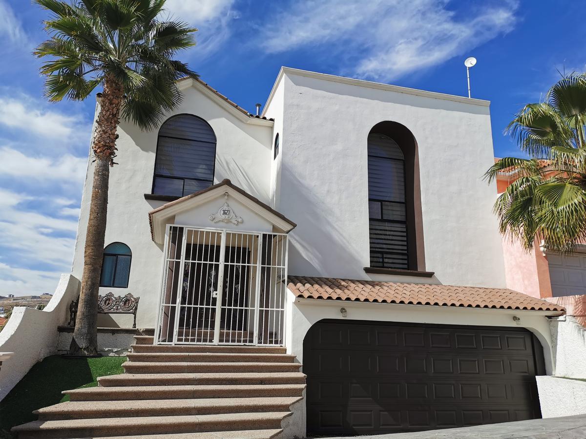 Foto Casa en Renta en  Chihuahua ,  Chihuahua  JARDINES DE SAN FRANCISCO. CALLE CON ACCESO CONTROLADO. TOTALMENTE AMUEBLADA Y EQUIPADA.