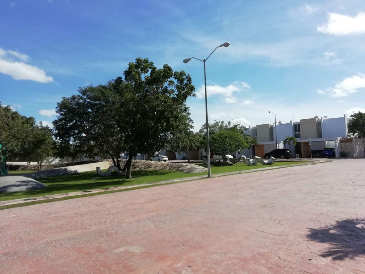 Foto Departamento en Venta en  Mérida ,  Yucatán  Departamento de 2 habitaciones en planta baja cerca de la UVM