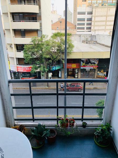 Foto Departamento en Venta en  Centro,  Cordoba  Departamento de 3 dormitorios en venta sobre Emilio Olmos. Con balcón. Con escritura.