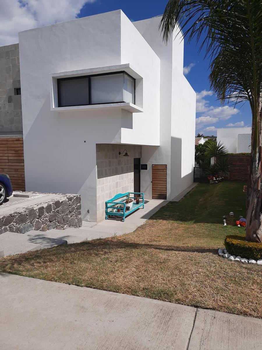 Foto Casa en Venta en  Fraccionamiento Cumbres del Lago,  Querétaro  Casa en Venta ubicada en Fraccionamiento Cumbres del Lago, Querétaro, Querétaro