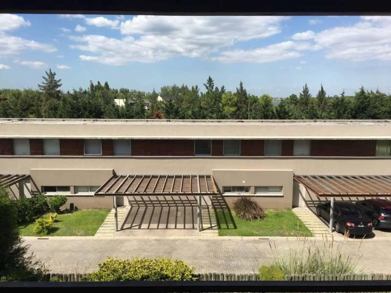 Foto Departamento en Venta |  en  Nordelta,  Countries/B.Cerrado  Departamento Duplex 3 ambientes Nordelta con jardin y cochera amenities
