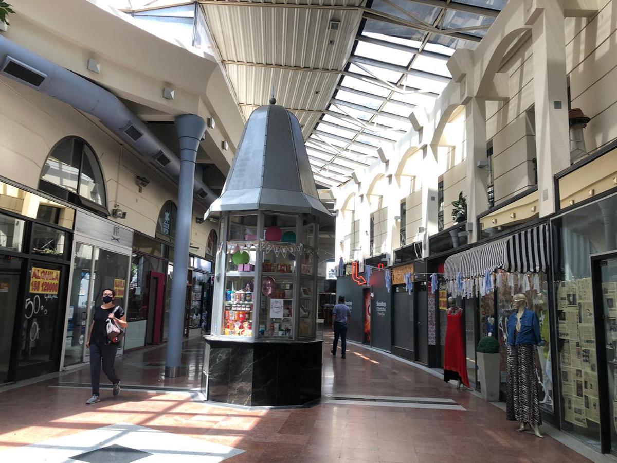 Foto Local en Venta en  Centro,  Cordoba Capital  Galería Vía Nueva - 4 Locales
