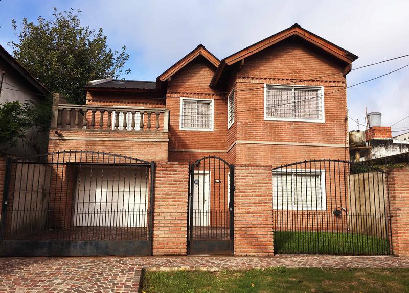 Foto Casa en Venta en  Castelar Norte,  Castelar  Tucuman al 3100