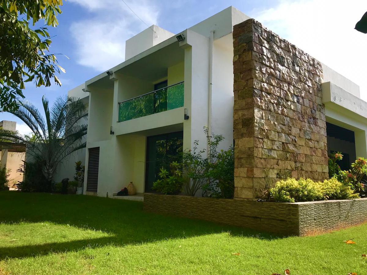 Foto Casa en Venta en  Fraccionamiento Campestre,  Mérida  Casa de 5 habitaciones en Fracc. Campestre, en VENTA
