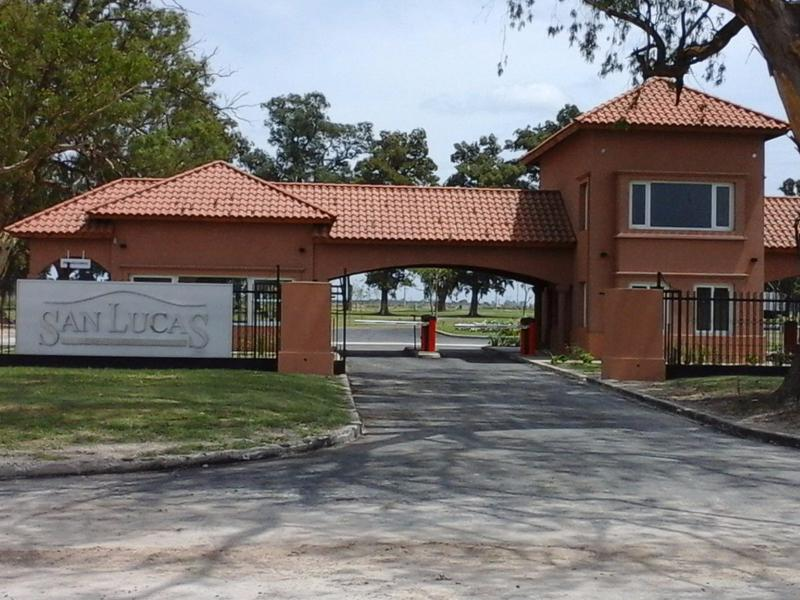 Foto Terreno en Venta en  San Lucas ,  Countries/B.Cerrado  Lote en barrio San Lucas