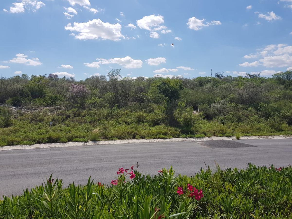 Foto Terreno en Venta en  Gral. Zuazua ,  Nuevo León  Hacienda San Pedro