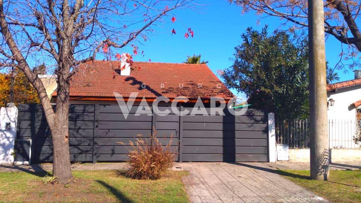 Foto Casa en Venta en Artigas al 300, G.B.A. Zona Oeste   Ituzaingó   Villa Ariza