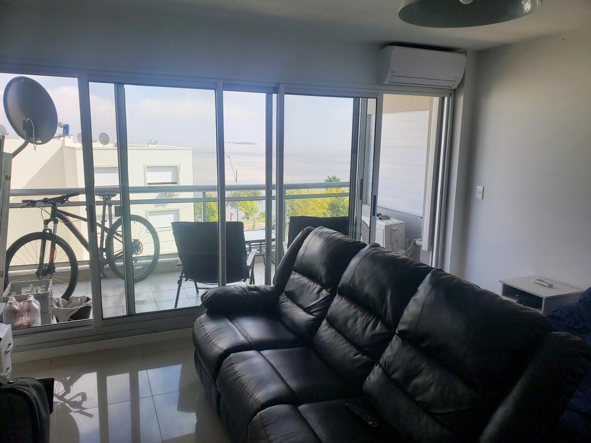 Foto Apartamento en Venta en  Colonia del Sacramento ,  Colonia  Apartamento un ambiente con hermosas vista a la bahía