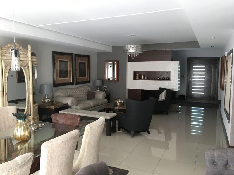Foto Casa en Renta en  Fraccionamiento Puerta de Hierro,  Chihuahua  Impresionante Residencia