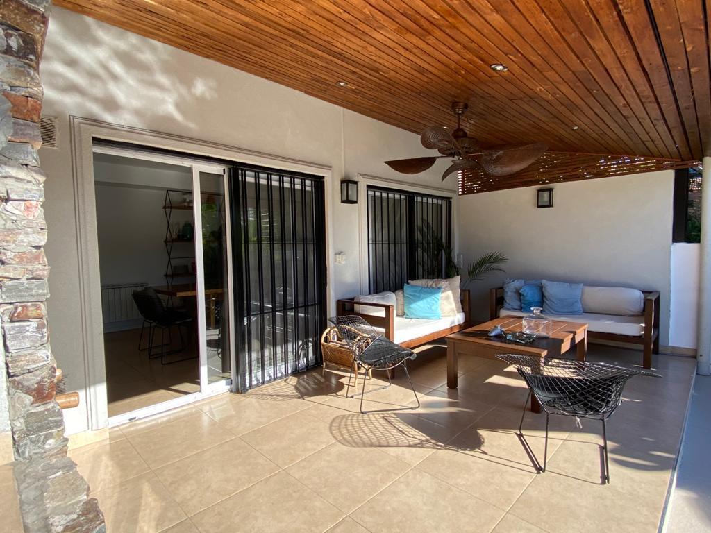 Foto Casa en Alquiler en  Las Lomas-Jockey,  Las Lomas de San Isidro  Clark al 600