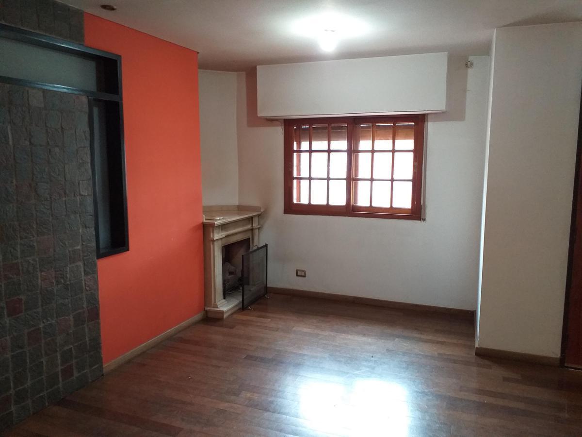 Foto Casa en Venta en  Haedo Sur,  Haedo  FLORA al 900