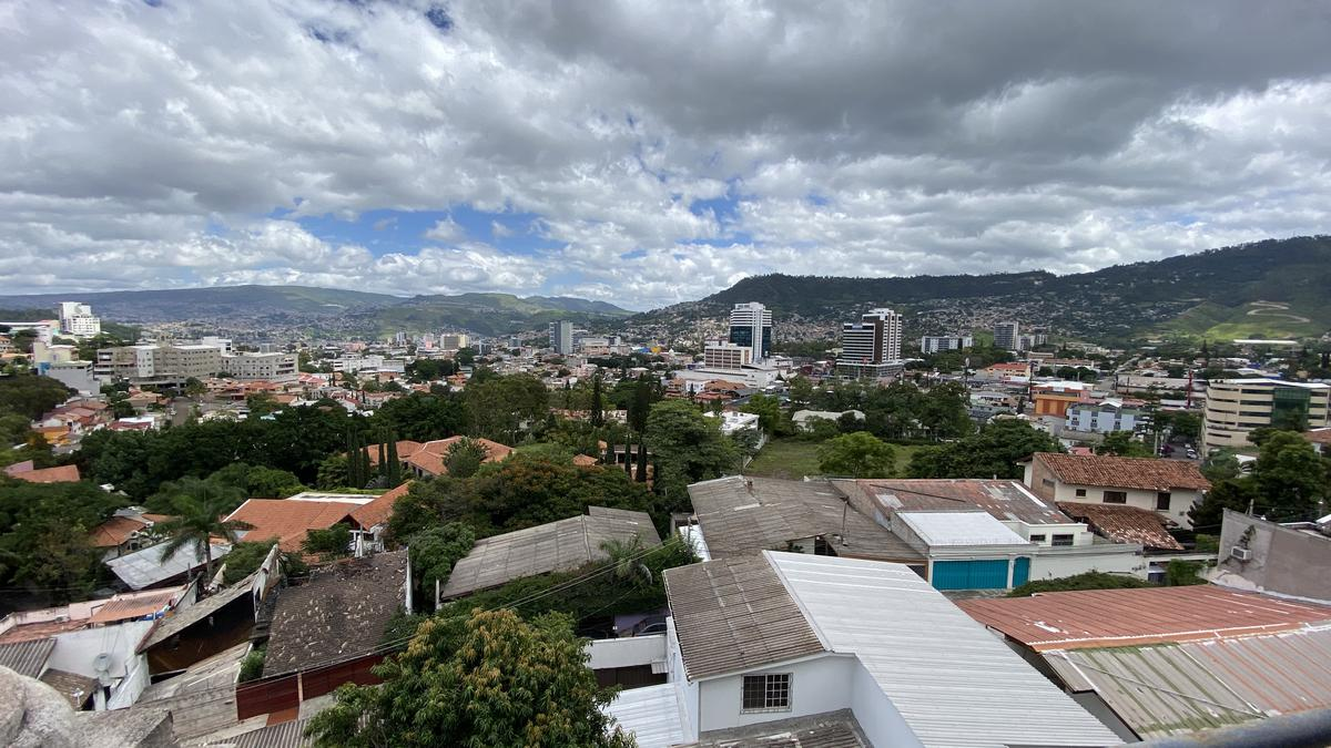 Foto Edificio Comercial en Venta | Renta en  La Cumbre,  Tegucigalpa  EDIFICIO COMERCIAL RESIDENCIAL LA CUMBRE