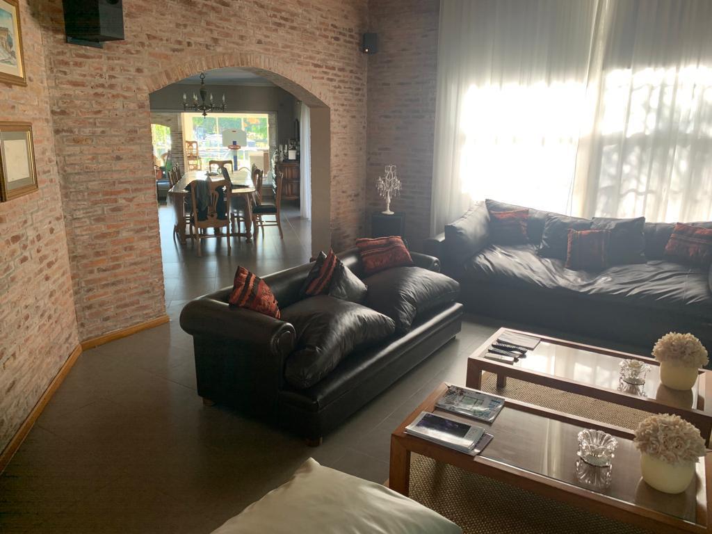 Foto Casa en Alquiler en  Santa Maria De Tigre,  Countries/B.Cerrado (Tigre)  Santa Maria de Tigre al 400