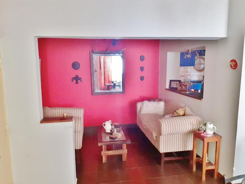 Foto Casa en Venta en  San Miguel De Tucumán,  Capital  VENTA CASA 3 DORM. 2 BAÑOS, PISCINA AZCUENAGA al 2000