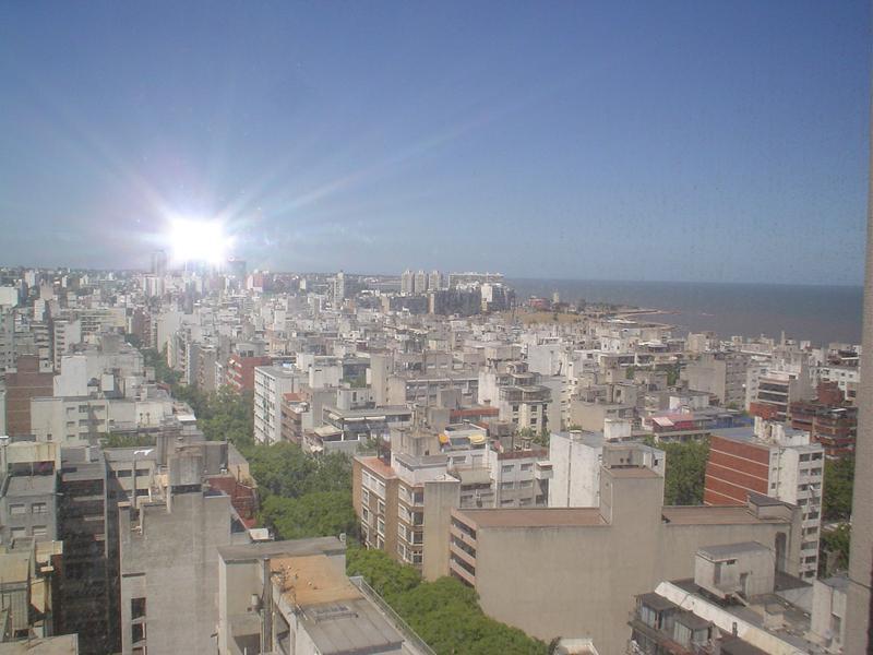 Foto Departamento en Venta en  Pocitos ,  Montevideo  DEPARTAMENTO POCITOS CON RENTA