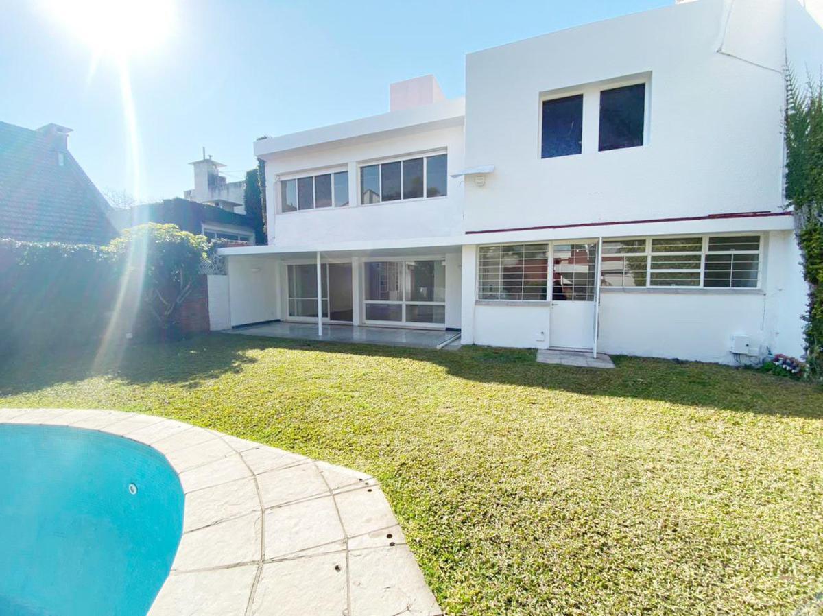 Foto Casa en Alquiler en  Mart.-Libert./Rio,  Martinez  José C. Paz al 1500