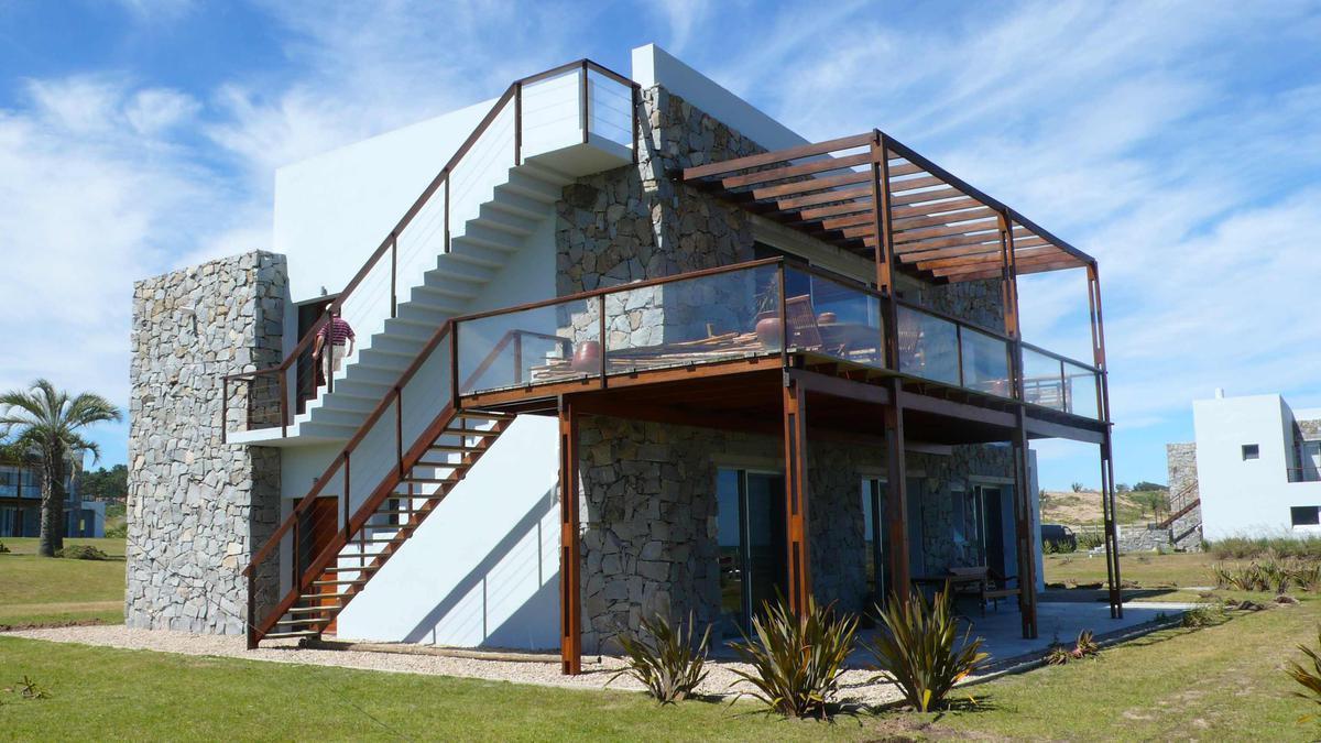 Foto Casa en Alquiler temporario en  Manantiales ,  Maldonado  Manantiales