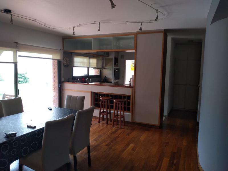 Foto Casa en Venta en  Hurlingham ,  G.B.A. Zona Oeste  Remedios Escalada al 700