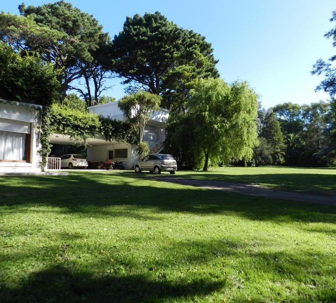 Foto Casa en Venta en  Mar Del Plata ,  Costa Atlantica  Mar Del Plata