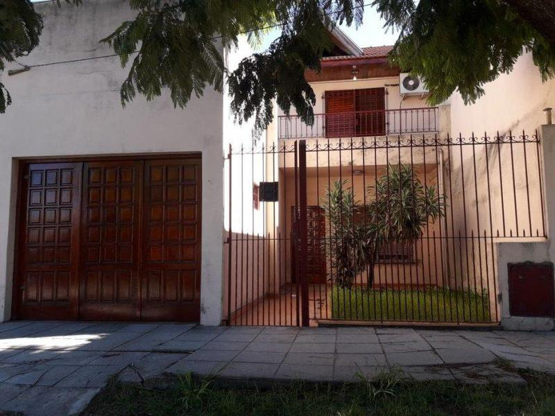 Foto Casa en Venta en  Lanús Este,  Lanús  CORONEL MENDEZ    1700