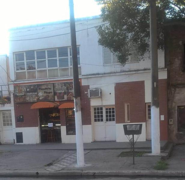 Foto Local en Alquiler en  San Miguel De Tucumán,  Capital  Bulnes al 1200