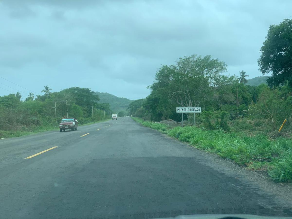Foto Terreno en Venta en  Cuauhtémoc,  Técpan de Galeana  CARRETERA ACAPULCO- TECPAN DE GALEANA KM al 200