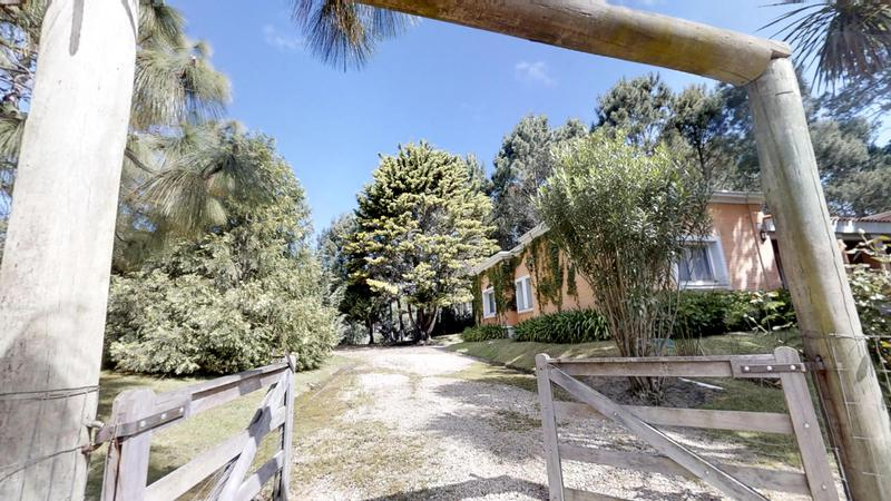 Foto Casa en Venta en  Parque Burnett,  Maldonado  Esplendida Casa con Espacios Luminoso en Punta del Este
