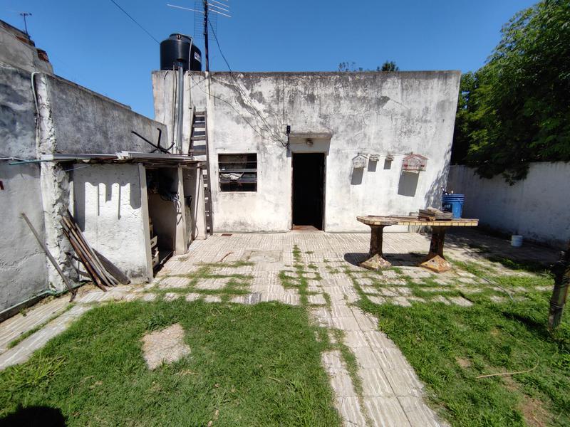 Foto Terreno en Venta en  Moron Sur,  Moron  Curupaity al 800