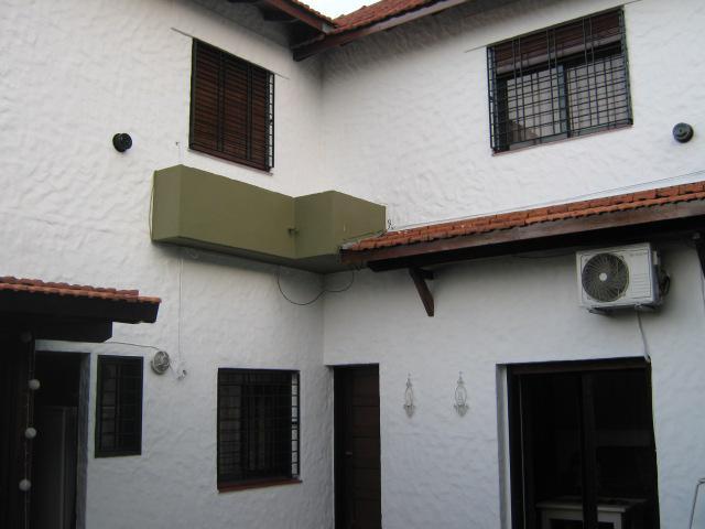Foto Casa en Venta en  Adrogue,  Almirante Brown  CASTELLI nº 1013, entre Plaza Rosales y Pasaje Soldano