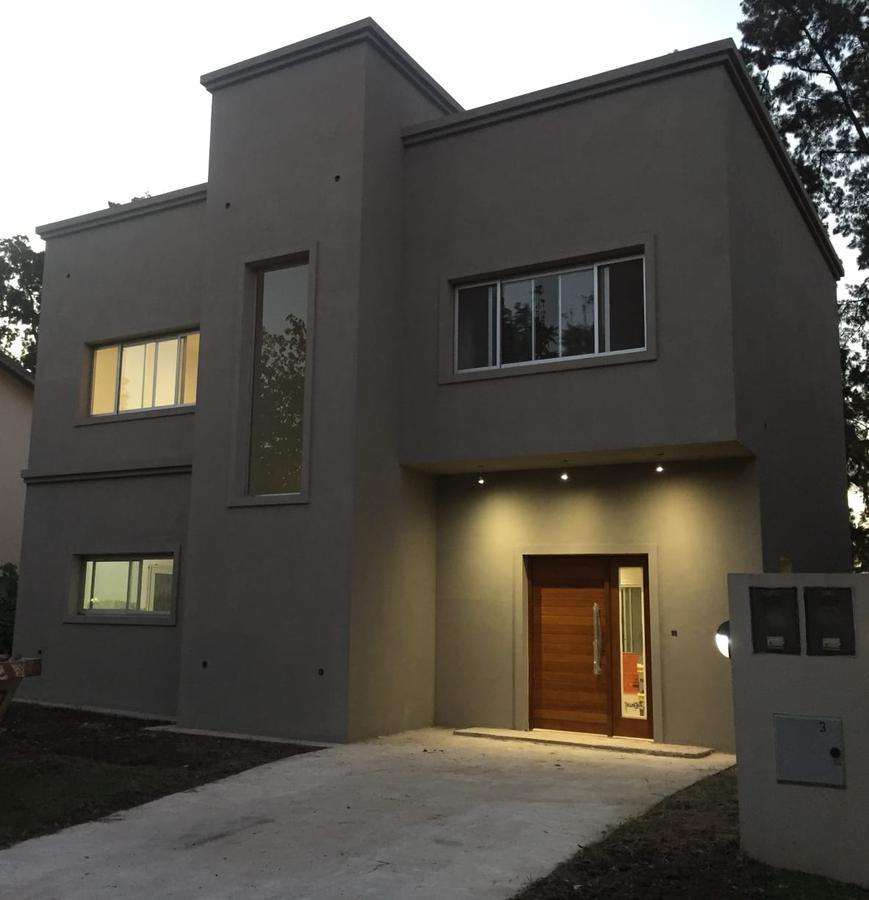 Foto Casa en Venta en  Las Orquideas,  Countries/B.Cerrado (Pilar)  Venta - Casa a estrenar en Las Orquideas – Bayugar negocios Inmobiliarios