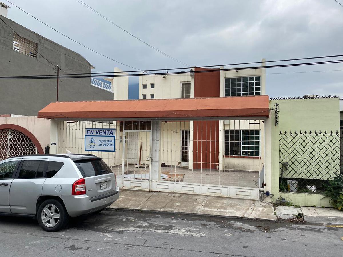 Venta de Casa 3 recamaras en Monterrey Villa los Pinos