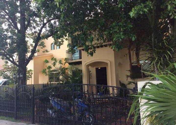 Foto Casa en condominio en Venta en  Supermanzana 50,  Cancún  Supermanzana 50