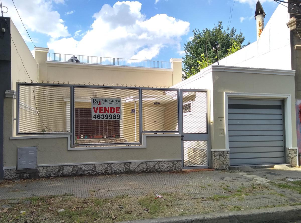Foto Casa en Venta en  Tiro Suizo,  Rosario  Esteban de Luca al 1000