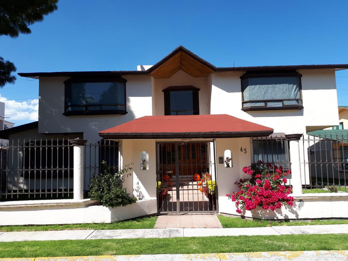 Foto Casa en Venta en  Fraccionamiento La Asunción,  Metepec         Residencia en Venta,  Paseo Santa Ana, col. La Asunción  $ 13,000.000