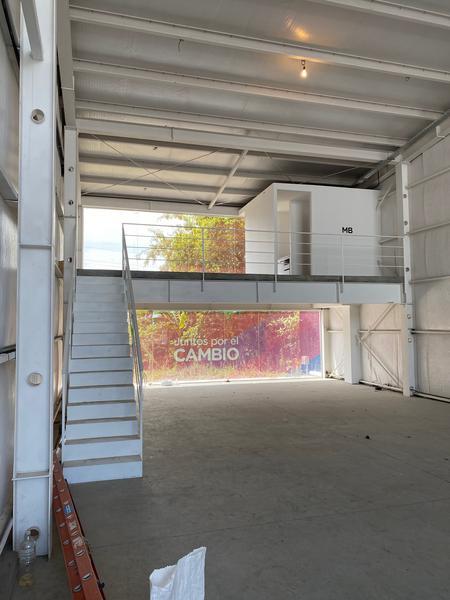 Foto Local en Alquiler en  Manuel B Gonnet,  La Plata  Camino Centenario e/ 503 y 504