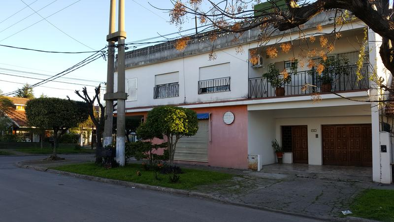 Foto Edificio Comercial en Venta en  Jose Marmol,  Almirante Brown  BERNARDO DE IRIGOYEN  198, Esq. C. Bernardi