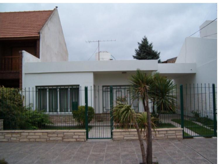 Foto Casa en Venta en  Neuquen,  Confluencia  TTe Ibañez al 500