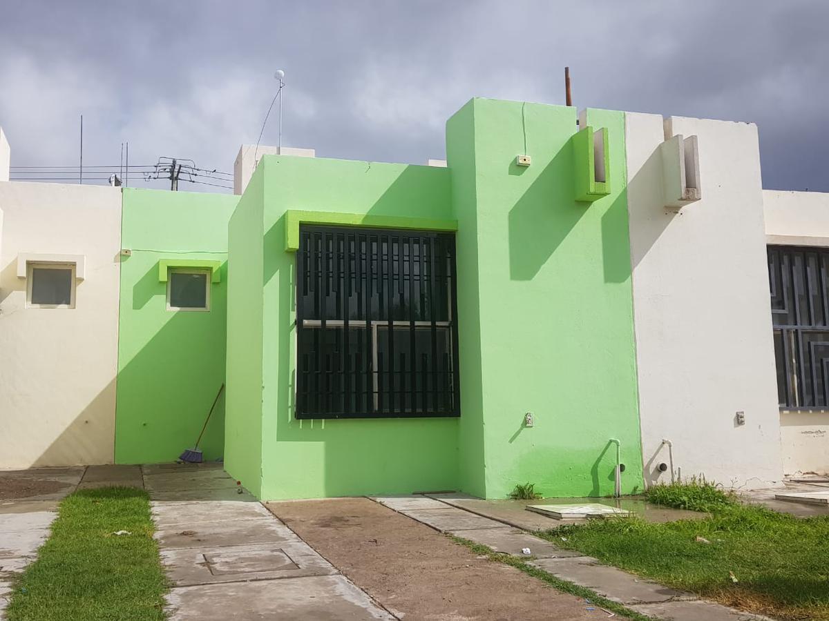Foto Casa en Renta en  Puente Real,  Soledad de Graciano Sánchez  CASA EN RENTA EN PUERTA REAL