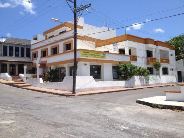 Foto Edificio Comercial en Venta en  Cozumel ,  Quintana Roo  Edificio Turix - Calle 17 Sur entre 20 y 25