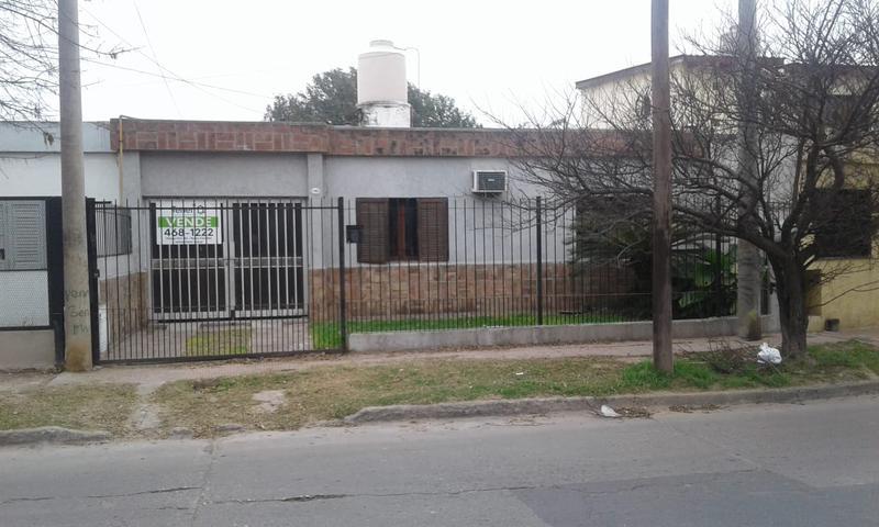 Foto Casa en Venta en  Cordoba Capital ,  Cordoba  Colinas de Velez Sarsfield! Oportunidad inversor rentista! 3 Casas en una!